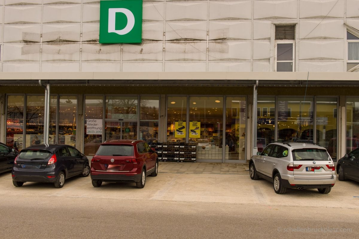 Neue Fassade am Deichmann / Miller & Monroe