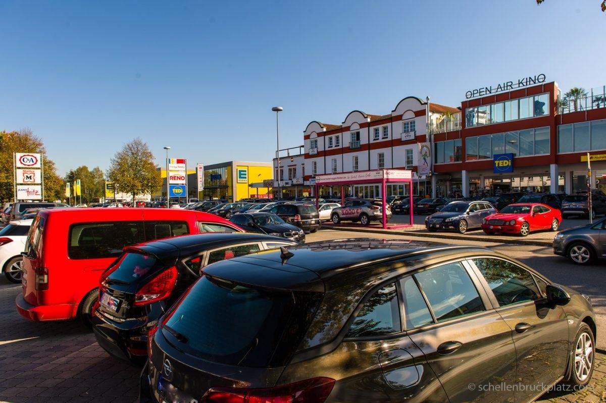 Verkaufsoffener Sonntag am Schellenbruckplatz im Herzen von Eggenfelden.